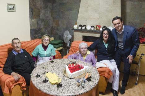 Diputación homenaje a dos usuarios del Servicio de Ayuda a Domicilio de Olula del Río