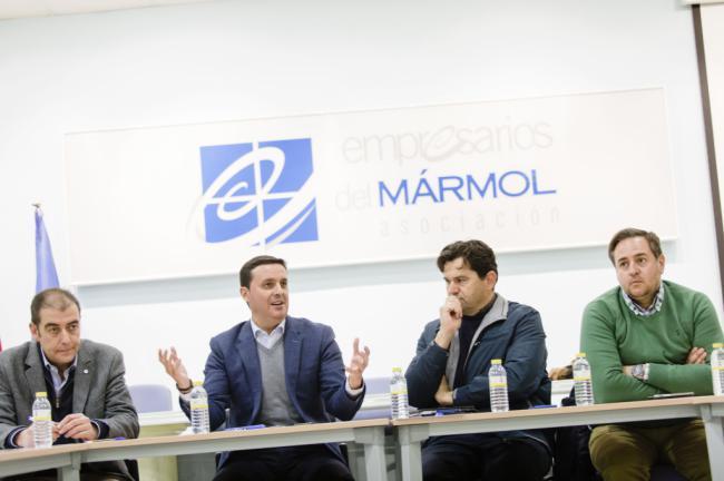 El presidente de la Diputación se reúne con la Asociación de Empresarios del Mármol