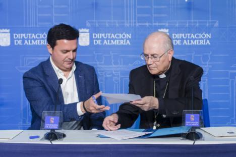 Diputación y Obispado invertirán 430.000 € en la puesta en valor de 18 iglesias de 15 municipios
