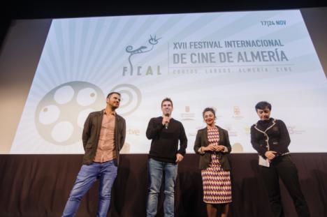 Actores y directores de los cortos del Certamen Internacional comparten sus creaciones con el público