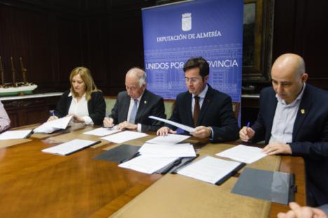 Diputación cede a El Ejido, Huércal-Overa y Níjar 27 kilómetros de carreteras provinciales