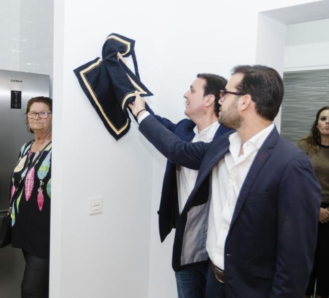 Enix estrena su primera vivienda rural municipal tras una inversión de 122.000 € a través del PFEA