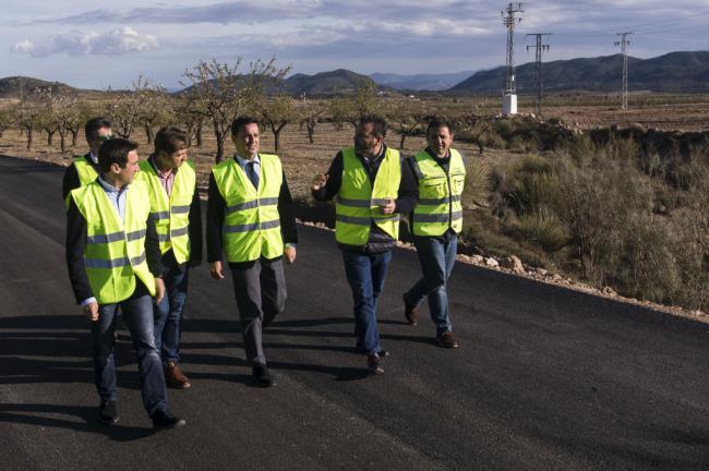 Diputación lleva el alumbrado público hasta 10 barriadas de Oria con 308.800 euros de inversión