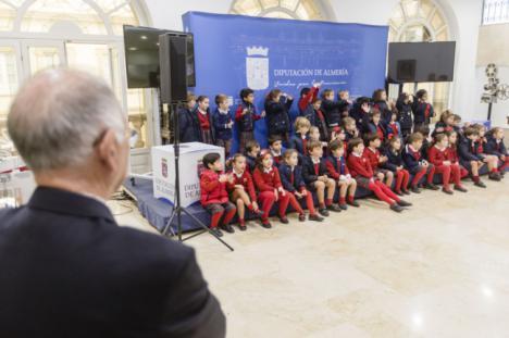 Escolares de Saladares y Altaduna visitan la Diputación