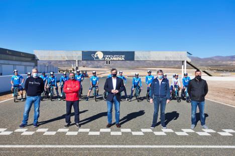 Movistar Team prepara en 'Costa de Almería' su temporada ciclista