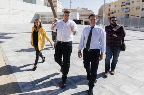 Viator disfruta de su nueva Plaza de España tras más de 370.000 € de inversiones de Planes de Diputación