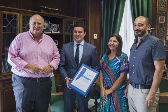 Diputación entrega al Ayuntamiento de Mojácar el proyecto de la nueva Casa Consistorial
