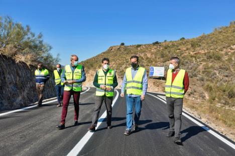 Diputación asfalta y renueva las carreteras de 10 municipios de la provincia