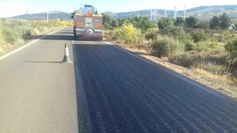 Diputación mejora más tres kilómetros de la AL-5405 que une Abla con Granada a través de Escúllar