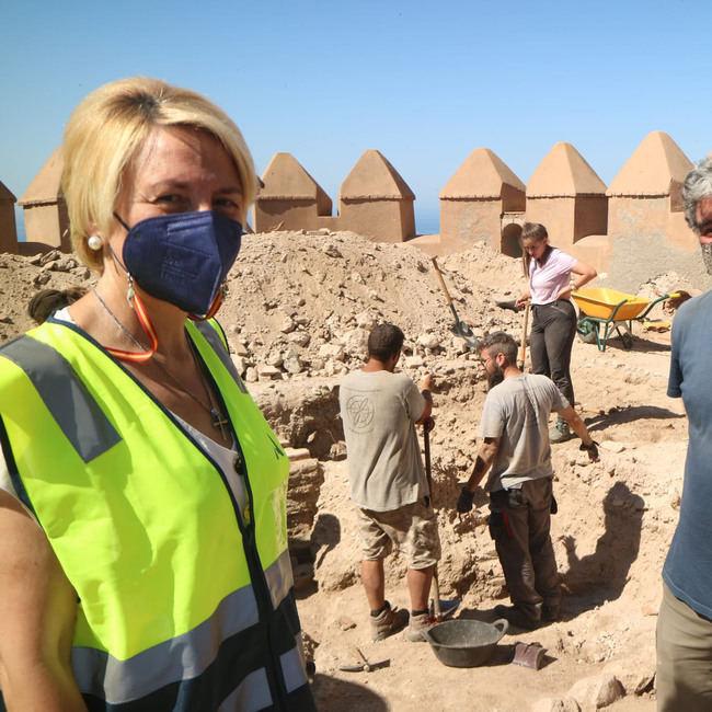 La Junta realiza sondeos arqueológicos en la muralla sur de la Alcazaba