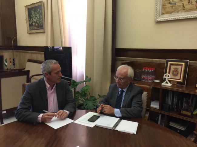 El alcalde de Dalías pide al subdelegado del Gobierno en Almería más seguridad