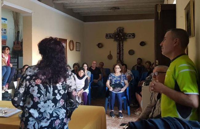 La Asociación Cultural Acerobo rinde homenaje a la mujer rural en Adra