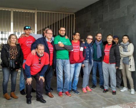 Adelante Andalucía protesta por la venta de un edificio de Roquetas a un