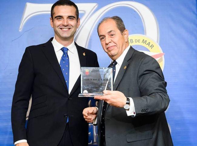 El alcalde de Almería arropa al Club de Mar en el Día del Socio
