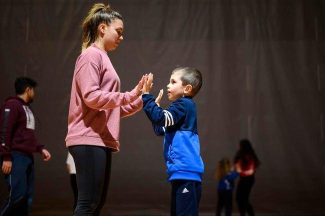 80 niños con autismo hacen deporte adaptado de Altea y el PMD