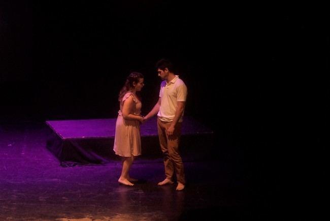 Alumnos de la Escuela Municipal de Teatro de Roquetas representan 'Antígona' de Jean Anouilh