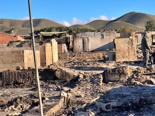 Los afectados por el incendio de Atochares siguen en la calle
