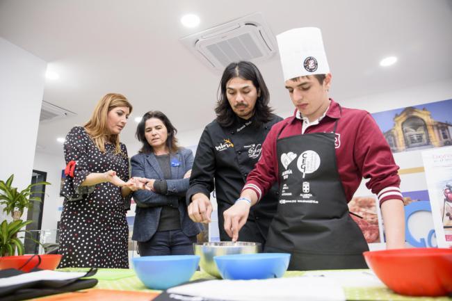 Niños con autismo aprenden a cocinar con la Capitalidad Gastronómica
