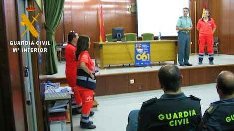 La Guardia Civil auxilia a una joven con grandes convulsiones