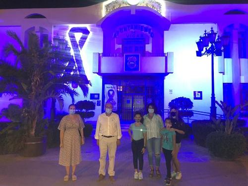 El Ayuntamiento De Vícar Se Ilumina De Azul Turquesa En El Día Mundial De La Dislexia