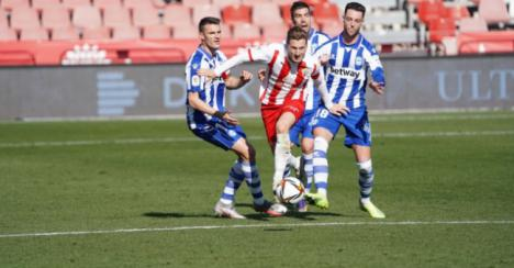 El Almería sigue superando barreras en la competición