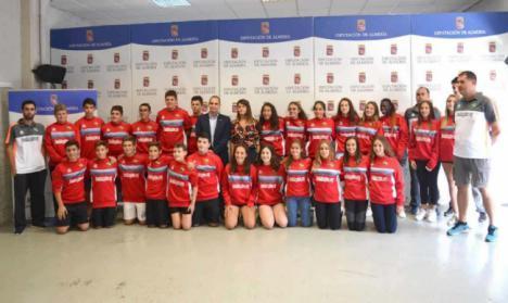 Colorido rojillo en las selecciones provinciales que disputan el Campeonato de Andalucía
