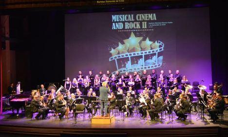 La Banda Sinfónica Municipal, la Coral Virgen del Mar y Autismo Dárata brindan una noche de cine y rock