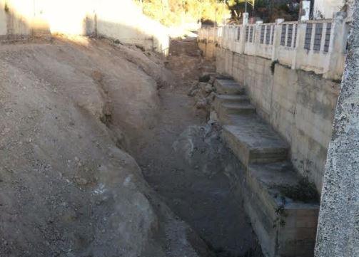 El Ayuntamiento volverá a limpiar de basura el Barranco Caballar