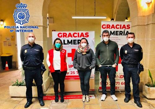 Policía Nacional y Cruz Roja colaboran en la protección de los mayores