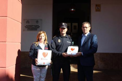 El Ayuntamiento de Berja dota a la Policía Local y a Protección Civil de desfibriladores