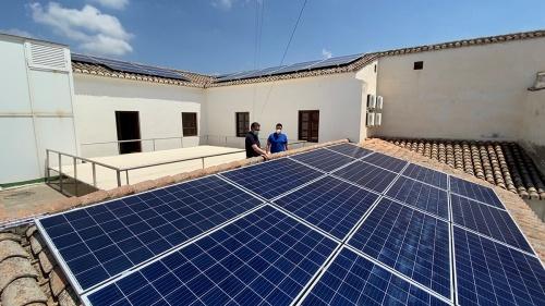 El Ayuntamiento de Berja instala placas solares en edificios públicos