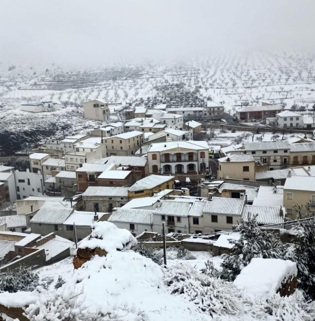 45 incidencias por el temporal de nieve en Almería