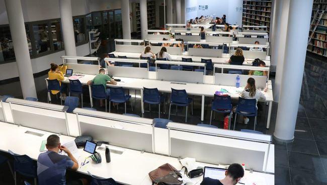 La Biblioteca Central de El Ejido ampliar horario por los exámenes