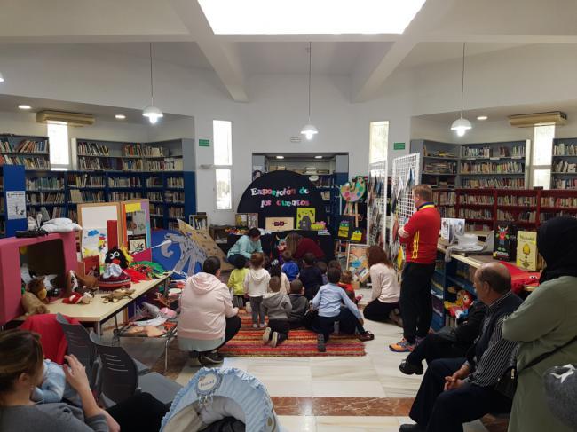 Exposición De Cuentos Y Libros Infantiles Por Las Bibliotecas De Vícar