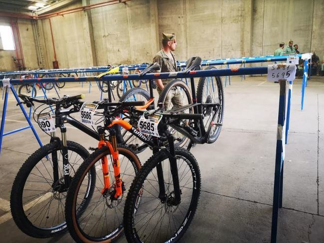 El Puerto de Almería alberga las 1.600 bicicletas de La Desértica