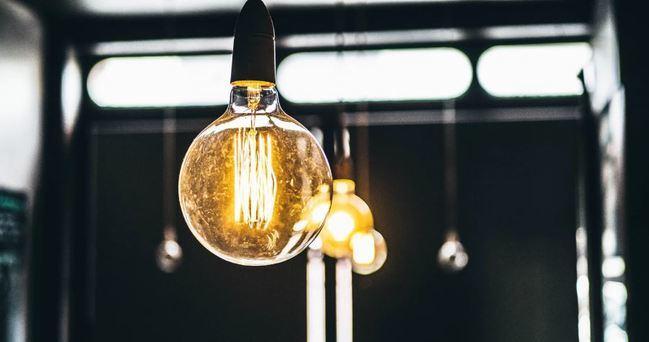 Por qué cambiar de compañía y pasar a las nuevas comercializadoras de electricidad