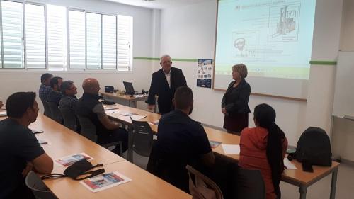 Más De Una Veintena Participantes En El Curso De Carretilleros De Vícar