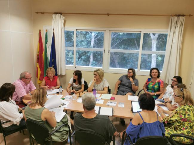 El Consejo De La Mujer de Vícar Programa El 25-N