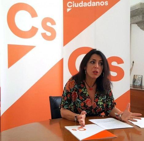 Ciudadanos recibe el apoyo de todos los grupos para que los discapacitados tenga boniticaciones en las escuelas de idiomas
