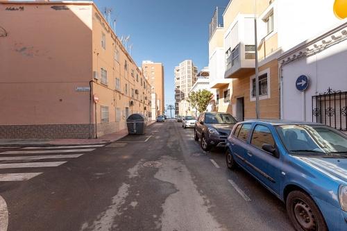 Limpieza intensiva en 23 calles de El Zapillo