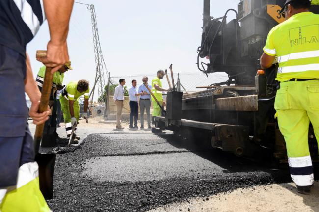 Ayuntamiento y Diputación modernizarán 28 caminos de la capital