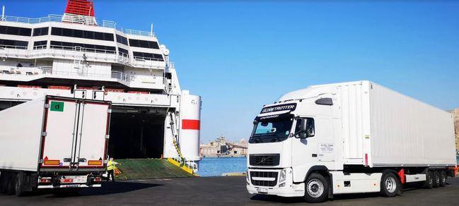 El tráfico de buques se incrementa un 6,2 % en Almería y Carboneras