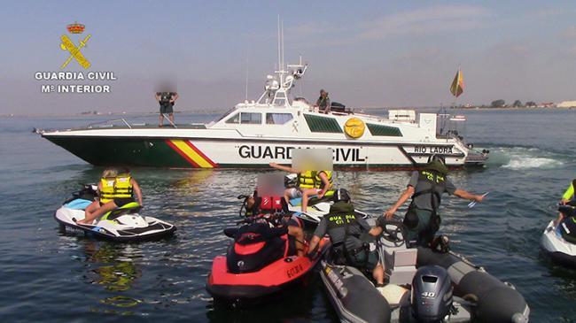 52 inspecciones y 12 denuncias de la GC a embarcaciones de recreo