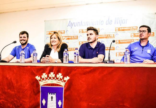 Níjar firma un convenio con ojeadores de fútbol profesional