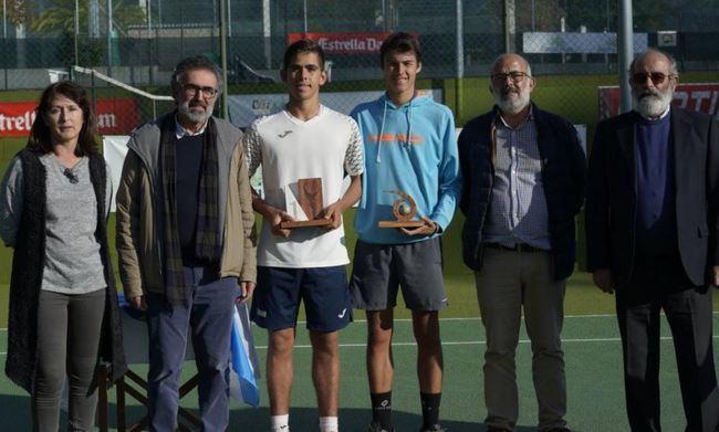 El almeriense Carlos Guerrero es campeón en un torneo internacional cadete en Pontevedra