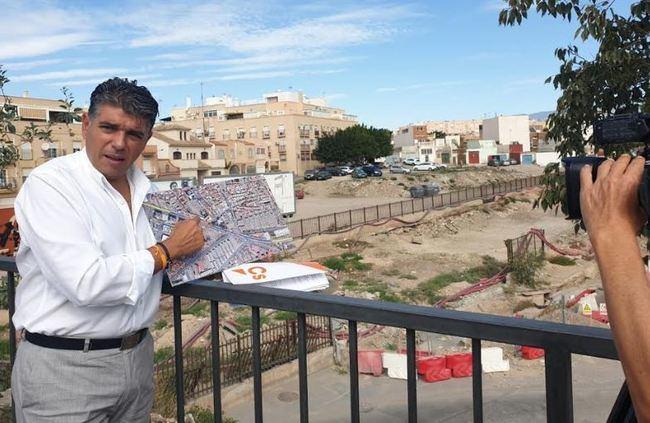 Ciudadanos denuncia la paralización del soterramiento en El Puche
