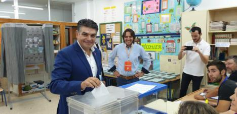 Miguel Cazorla ha votado en el CEIP Padre Méndez