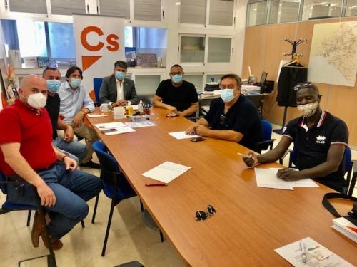 """Cazorla: """"El comercio ambulante de Almería continúa abandonado"""""""