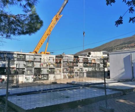 Nuevos nichos en la ampliación del cementerio de Dalías