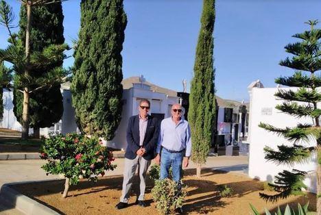 Carboneras prepara el cementerio para Todos los santos